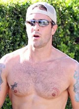 Male celebrity Alex OLoughlin caught nude outdoors