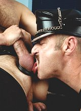 Mature bears in leather screwing and cumming gusto