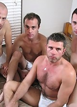 Tom, Sam, Bruce & Branco 4 horny amateurs meet for the first time !