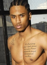 Male celebrity Trey Songz shows amazing naked body
