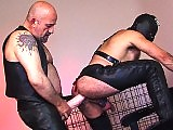 Slave has to give him piss drink and cock bareback