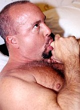 Muscle mature bears having oral fun before fucking