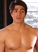 Male celebrity Brandon Routh shirtless movie scene