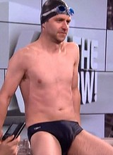 Chris Hardwick flashes cock thru swimming trunks