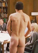 Male celebrity Luke Wilson exposes his great butts