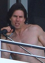 Male celebrity Tom Cruise paparazzi shirtless pics